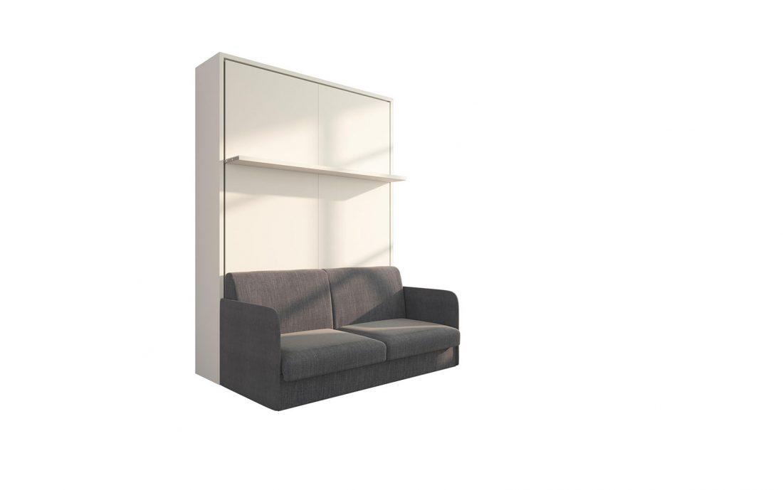 Il letto a scomparsa con divano automatico chiuso con mensola a vista