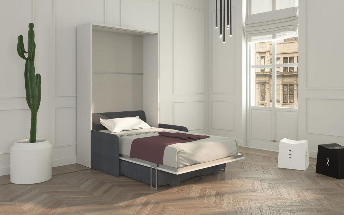Il letto a scomparsa aperto in versione con divano contenitore