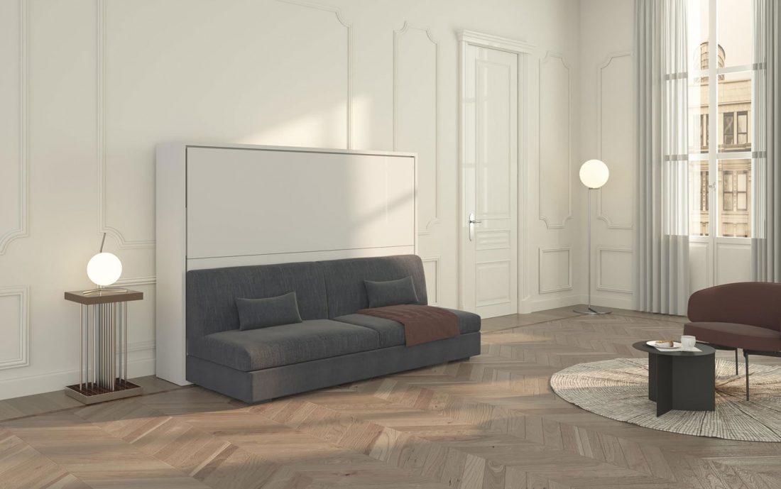 Il grande divano quattro posti del letto a scomparsa francese orizzontale