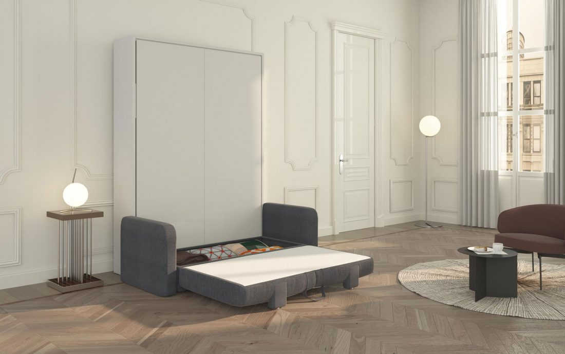 Il pratico contenitore che si apre sotto alla seduta del divano