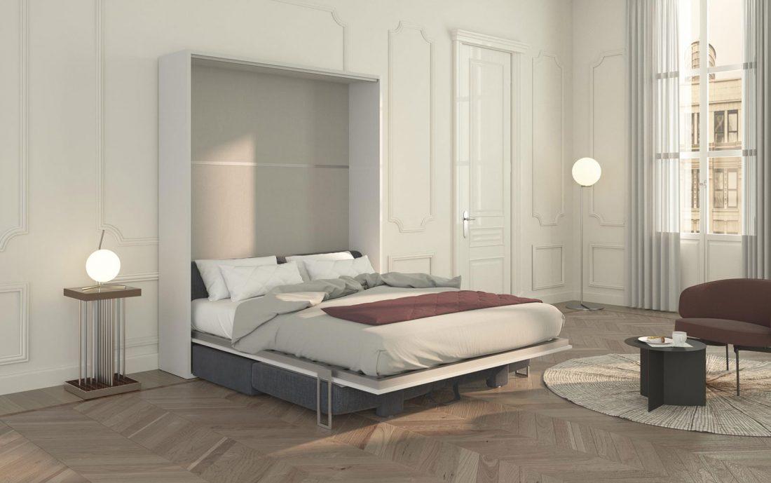 Il letto matrimoniale Piuma Sofa 160 a ribalta con divano contenitore.