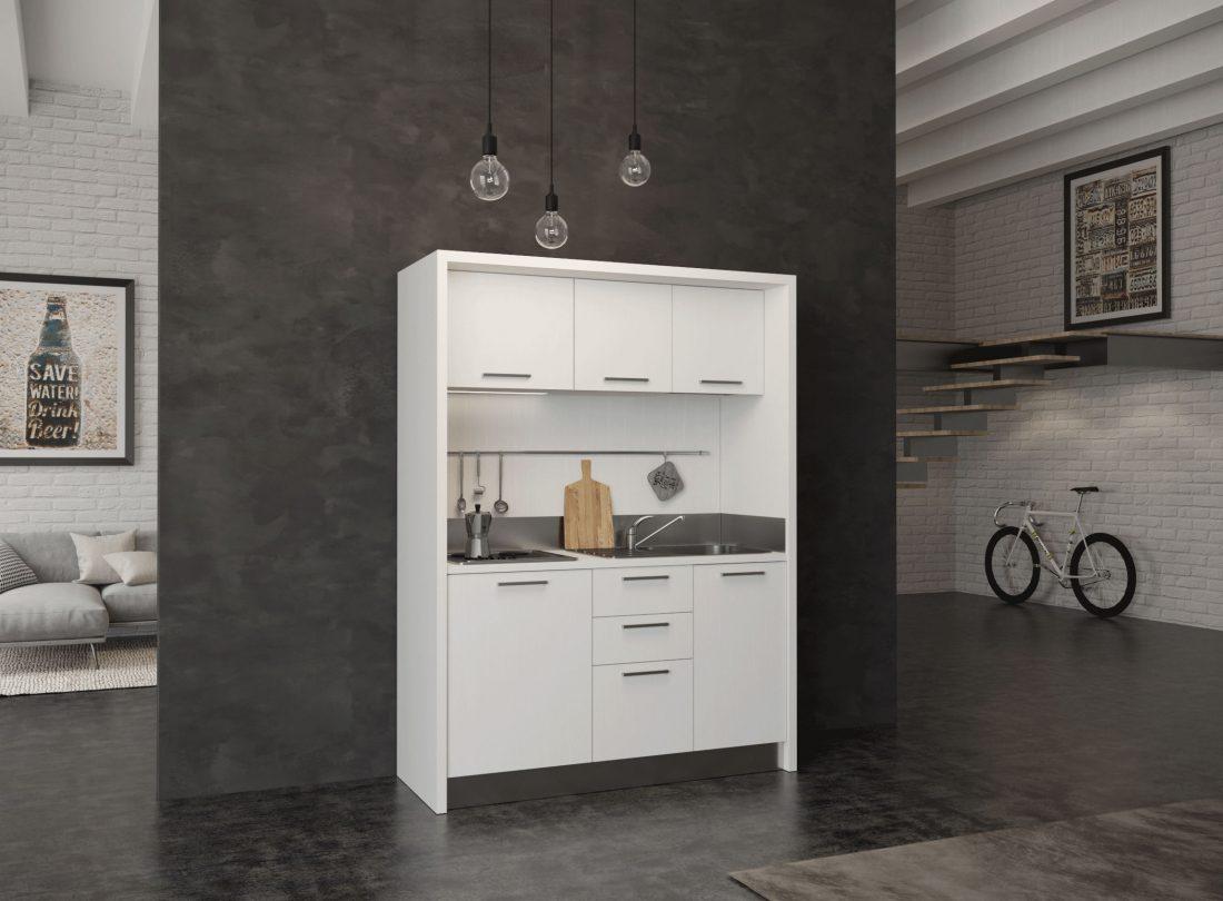 Una mini cucina monoblocco completa per agriturismi e residence