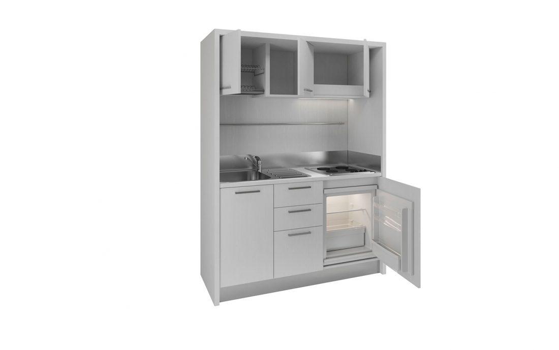 Ampia monoblocco completa con mini frigo bar e piano 4 fuochi per residence al mare