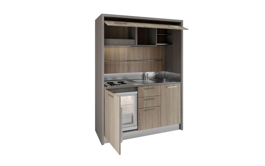 Cucina monoblocco a vista dalla linea pulita per spazi ridotti