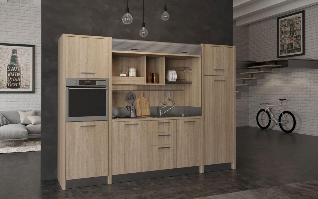 Una cucina monoblocco a scomparsa accessoriata in soli 2 metri e 90 centimetri