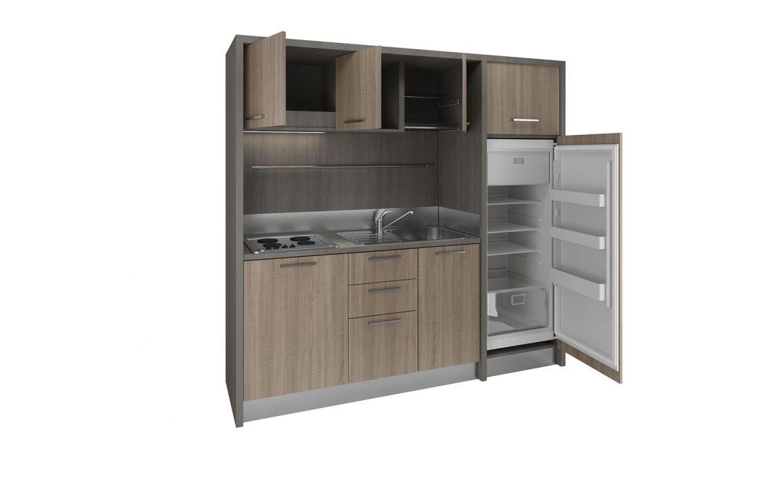 Valdarno è una cucina di facile installazione con frigo a colonna per residence